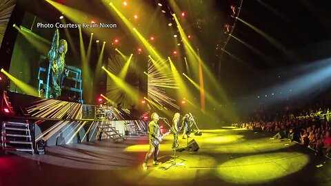 JULIE'S ROCK BLOCK: Def Leppard LIVE in Las Vegas!