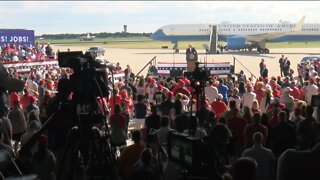President Trump holds campaign event in WI in light of toned-down DNC