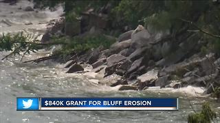 $840K grant given to communities along Lake Michigan for erosion problems - Video