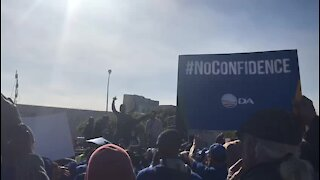 UPDATE 1: Opposition parties march against Zuma presidency in Cape Town (gvc)