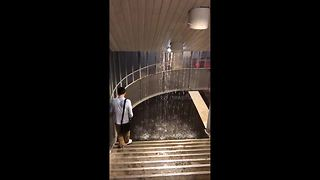 Paris metro floods - Video