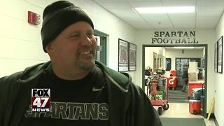 Man makes Michigan State bowl trip possible - Video