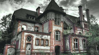 10 Creepy Abandoned Schools - Video