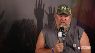 Larry the Cable Guy talks about breaking a fan's arm | Rare Country - Video
