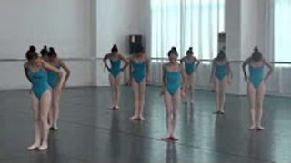 Amazing performance in China southern dance school