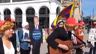 Protesters Dressed Like Trump Sing 'Give Climate a Chance' Ahead of Hamburg G20 Meeting - Video