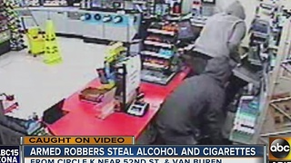 Circle K threatened employee with gun, made off with cash - Video