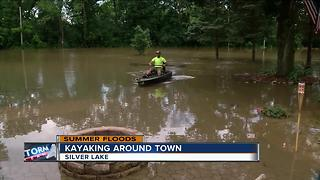 Silver Lake residents underwater as Fox River crests - Video