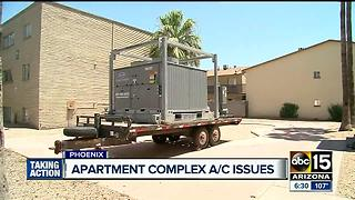Residents at a Phoenix apartment complex without AC for three weeks - Video