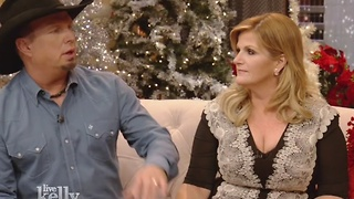 Listen to Garth Brooks and Trisha Yearwood talk about how they got engaged in Bakersfield, Calif. - Video