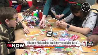 Kids who are visually impaired bake cookies, make gifts for homeless in KC - Video