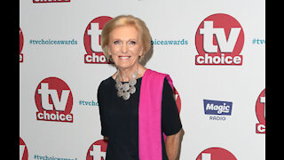 Mary Berry makes Christmas special for awful cooks