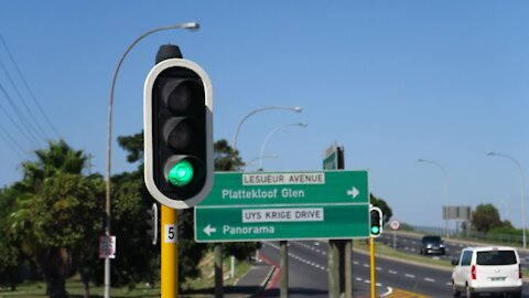 SOUTH AFRICA - Cape Town - Traffic lights (Video) (68t)