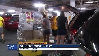 Thousands of UW-Milwaukee students to move into dorms for fall semester - Video