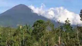 Steam Rises as Mount Agung Expected to Erupt in Bali - Video