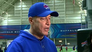 Jim Kelly talks at his annual football camp - Video