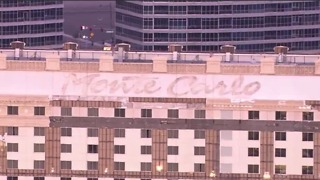 Monte Carlo sign is removed from the building - Video