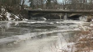 Ice jam flooding concerns in West Seneca - Video
