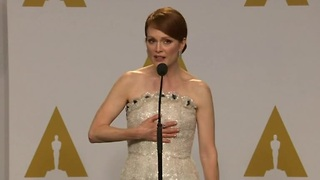 Oscar winners celebrate backstage - Video