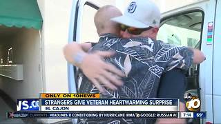 Strangers give veteran a heartwarming surprise - Video