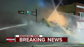 Bar collapses after fire in Oshkosh