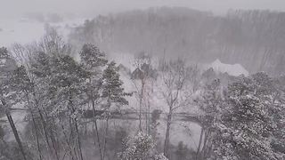 Drone flies into snow storm in North Carolina - Video