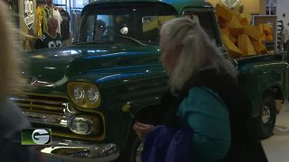 Packers fans excited for Family Night - Video