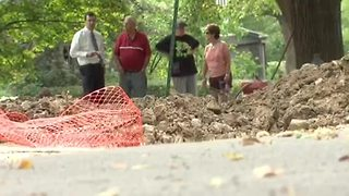 Metro couple on hook for costly sewer repair - Video