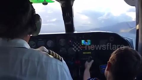 Pilot invites 6-year-old into cockpit as co-pilot