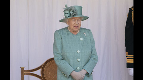 Queen Elizabeth planning Christmas bubble