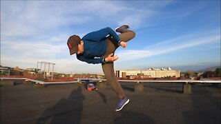 Rooftop Jumps - Daredevil does Parkour and Freerun and Tricking on a rooftop