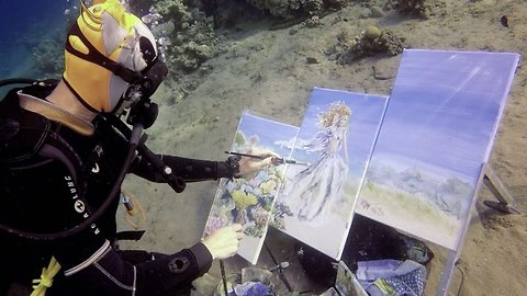 Under-watercolour: Talented artist creates unique paintings whilst diving in the ocean
