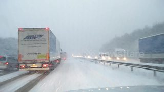 'Beast from the East' blankets UK's M20 with snow - Video