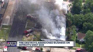 Fire destroys abandoned business on Detroit's west side