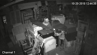 TCSO deputies looking for burglary suspect caught on video