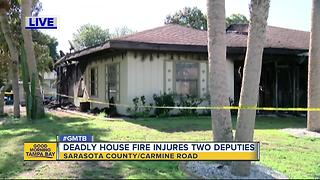1 dead, 2 sheriff's deputies injured in Venice house fire - Video