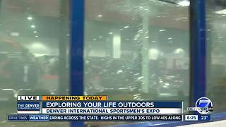 5,000 gallon fish aquarium at Sportsmen's Expo - Video