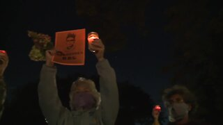 Northeast Ohioans pay tribute to Supreme Court Justice Ruth Bader Ginsburg