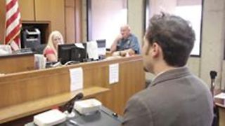 Man Braves Court Judge in Order to Propose to Girlfriend - Video