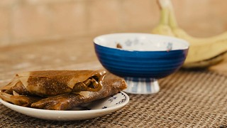 10-minute Nutella and banana glazed spring roll recipe - Video