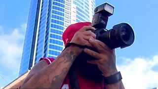 Photographer helping 1 October victims heal - Video