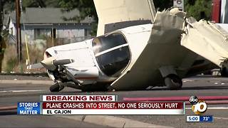 Small plane crashes in El Cajon Neighborhood - Video