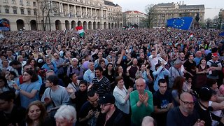 Tens Of Thousands Protest Hungarian Election Results - Video