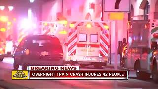 Overnight train crash injures 42 people in Philadelphia - Video