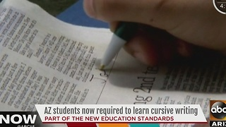 Arizona schools bringing back cursive lessons - Video