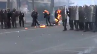 Police Attacked With Molotov Cocktails During Paris May Day Clashes - Video