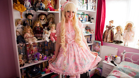 This 21-Year-Old Girl Has Spent Over £10,000 To Look Like A Porcelain Doll