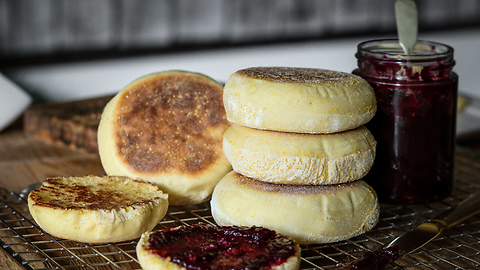 Homemade Recipe For English Muffins Is Finger-Licking Good