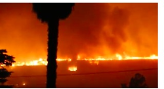 Houses in Ventura Engulfed in Flames - Video