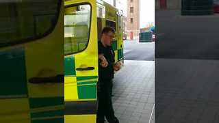 Pavarotti Paramedic has Impressive Singing Voice - Video